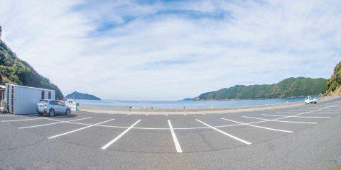 鹿島の浮かぶオーシャンビューの駐車場